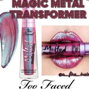 Too Faced Magic Metal Transformer Metallic Lip Transformer